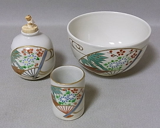 手塚祥堂作 仁清扇面京焼陶器3点セット(茶碗、振出、茶巾筒)