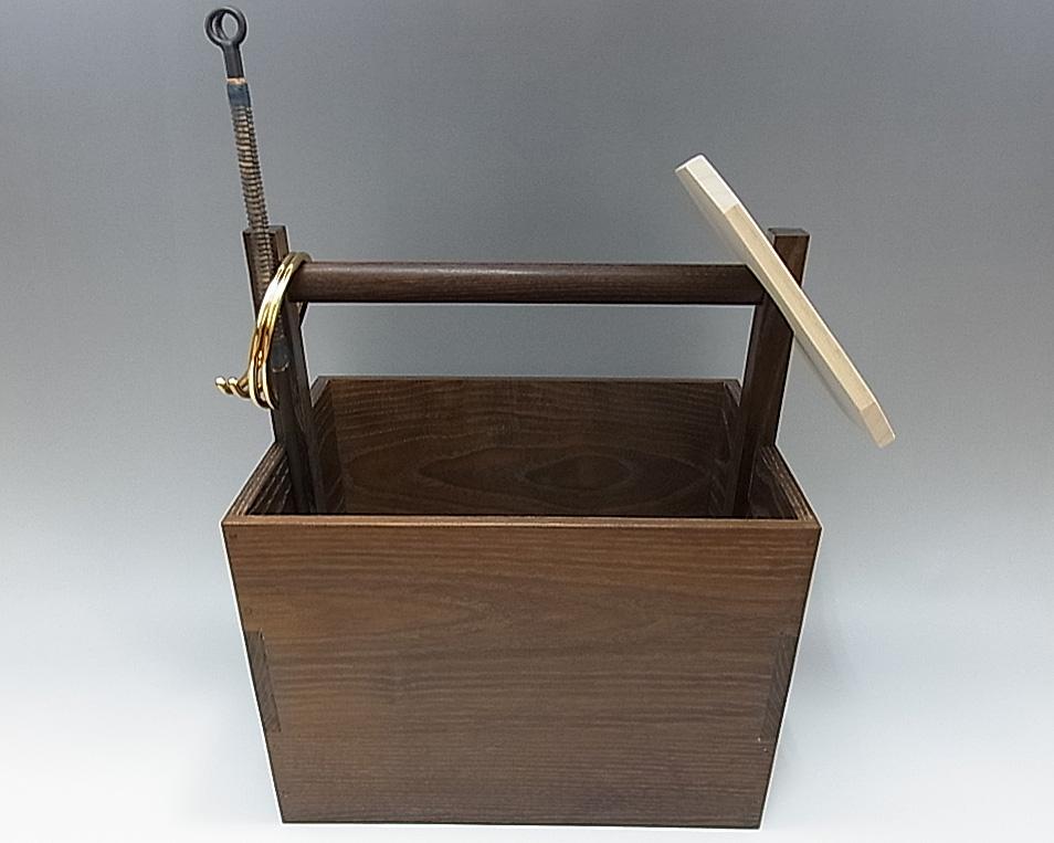 水屋用箱炭斗セット(箱炭斗・板釜敷・長火箸・真鍮鐶) 炭取 水屋道具
