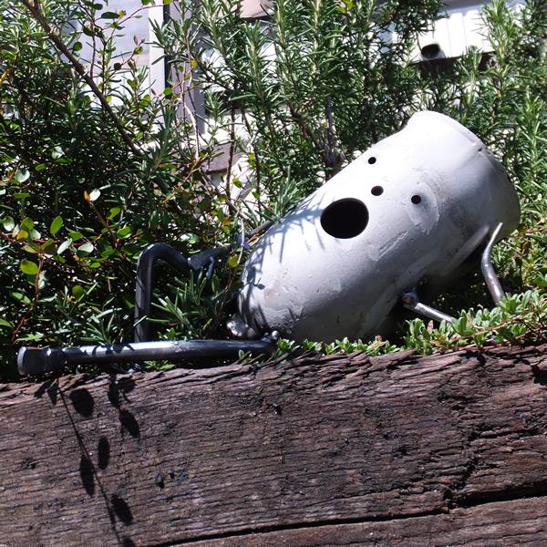 【プランター】【植木鉢】 ガスボンベのキャップをリサイクル だるきも系プランター「ぽけっとゾンビ クリア塗装」 廃材を再利用してうまれたジャンクな手作りガーデンオブジェ