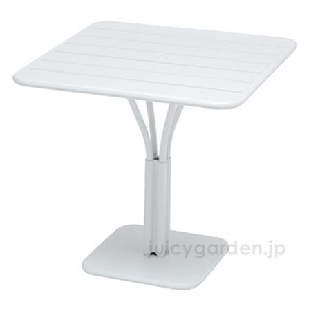 【テーブル】【机】 マットな質感の屋外用テーブルFermob ルクセンブールテーブル80×80 【フェルモブ】【ファニチャー】【ガーデン】【庭】【送料無料】