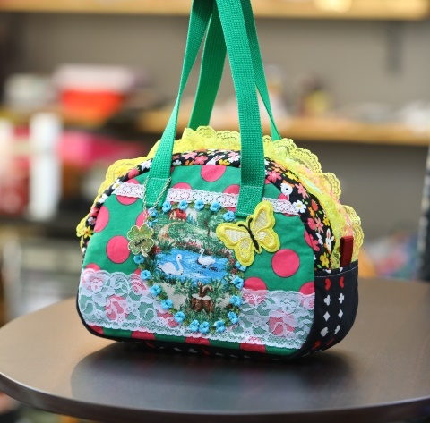 《新シリーズ》 Seori Bag JuJuオリジナル 飛蝶姫のBag 池の白鳥と黄色い蝶のbag ミニボストンバッグ オリジナルバッグ希少可愛いコットンバッグ 売れ筋 新入荷 流行