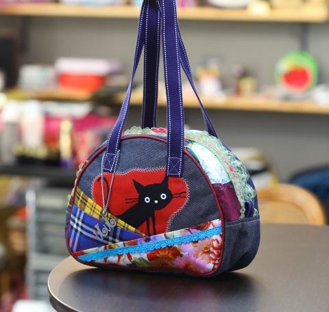 JuJuオリジナル【黒猫ビックリ柄、水色レース、チェックコラボシリーズ】ミニボストンバッグ/オリジナルバッグ希少可愛いコットンバッグ