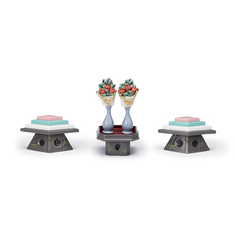 雛人形 おしゃれ リヤドロ LLADRO ひな人形 雛人形三宝飾 TABLES FOR SWEETS AND PEACH FLOWERS