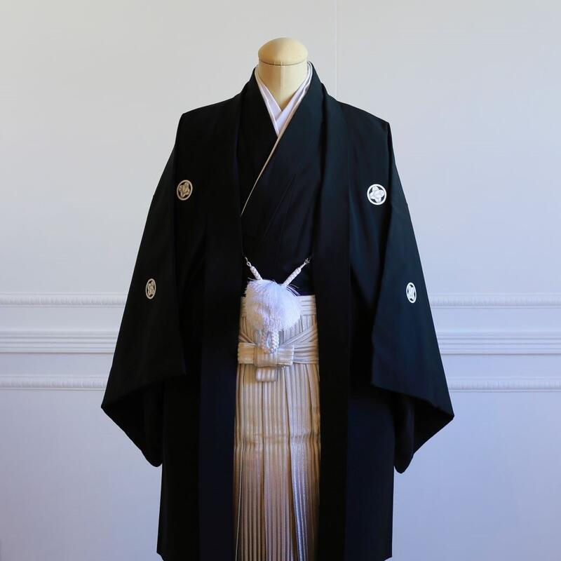【レンタル】羽織(黒)・袴(シルバーぼかし縞)フルセット【送料無料】