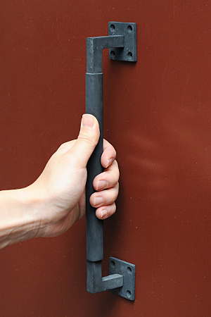 【真鍮 ドア ハンドル 取っ手 ブラス アンティーク調 アンティーク風】ソリッドブラスラウンドグリップハンドル BK