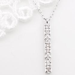 ネックレス レディース プラチナ ダイヤモンド ストレートライン 縦長 Iライン ペンダント Pt900 850 Diamond Necklace クリスマス プレゼント xmas
