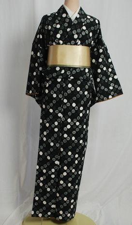 【送料無料】ひさかたろまんの洗える着物 黒 ドット柄 Lサイズ 日本製