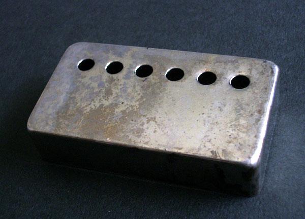 <title>エッジの立ったニッケルシルバーのカバーを母体とした特殊レリック仕様のPUカバー Montreux Time Machine Collection PAF clone cover set 限定モデル Relic Nickel 405</title>