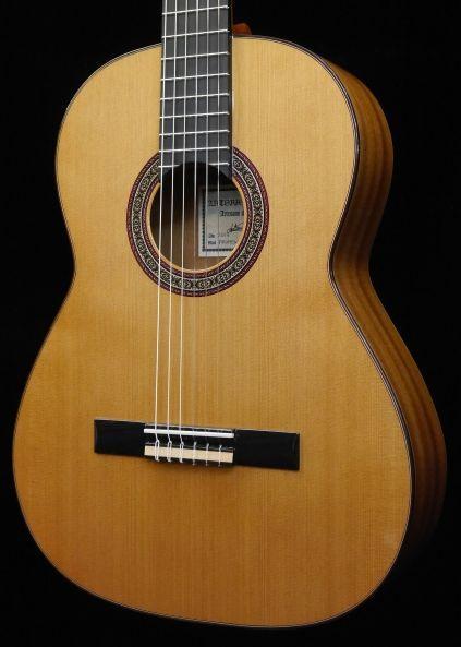 Antonio Sanchez Profesor-3 杉・マホガニー 《クラシックギター》【送料無料】【今なら足台&オーガスチン弦が付いてくる!】【オリジナル扇子プレゼント】