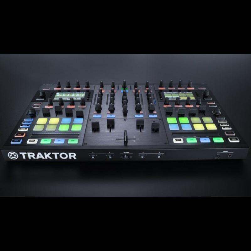 Native Instruments Native Instruments TRAKTOR KONTROL S8【送料無料】