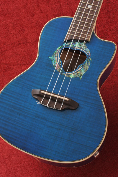 Luna Guitars Dolphin Concert コンサート・ピックアップ付 【送料無料】【SAVAREZ Low-G弦 144RL プレゼント】
