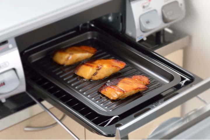 グリルdeクック カリふわっトースターパン 38293グリルパン スチール プレート トレー トースト オーブン パン 魚 グリルパンプレート グリルパンオーブン プレートグリルパン オーブングリルパン プレート 下村企販