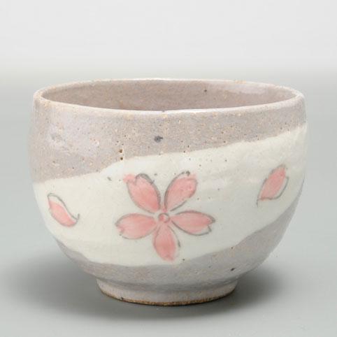 器族倶楽部 湯呑 爆買いセール ランキング総合1位 いっぷく碗 花の舞 ゆったり碗 陶器 抹茶 お茶を愉しむ 日本茶