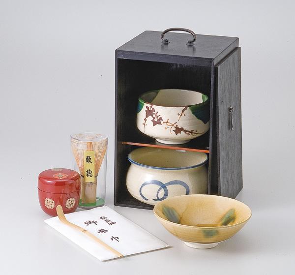 【茶道具】【抹茶碗】 / 茶道具(茶箱)黒塗茶の湯揃 /和食器