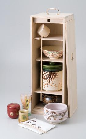 / 茶道具(茶箱)桐短冊箱揃 /和食器