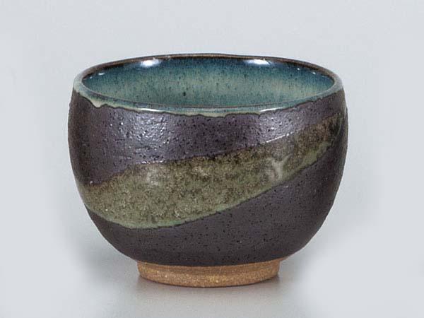 ま~るい形でやすらぎの一服を… 湯呑 いっぷく碗 いっぷく碗黒銀彩雲 お茶を愉しむ 送料無料(一部地域を除く) 抹茶 高級な 陶器 日本茶