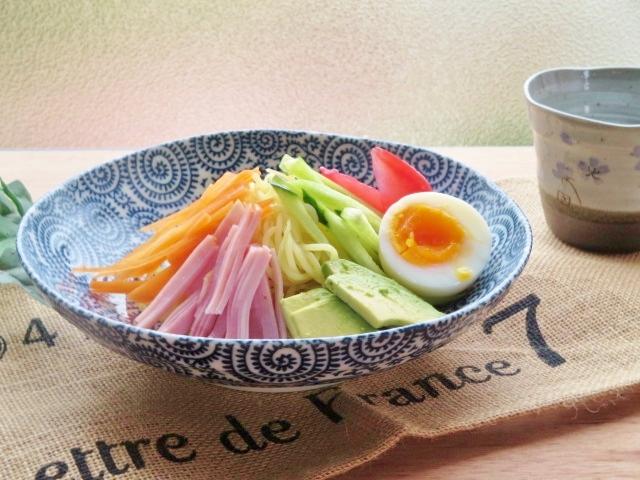 新作多数 昔から定番 たこ唐草 大皿 古染 タコ唐草 深皿 プレート 6.8寸 和食器 受賞店 美濃焼 21cm