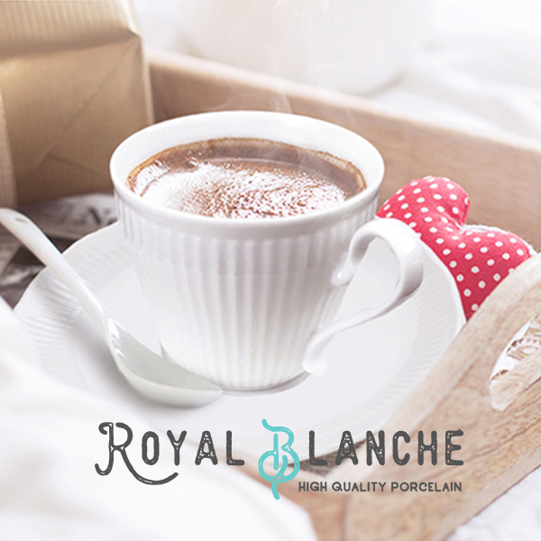ティータイムを格上げする 高級感たっぷりのうつわ Royal Blanche コーヒーカップ ソーサー 200cc 新色追加して再販 日本製 美濃焼 陶器 白磁 記念日 白い食器 洋食器 ポーセリンアート 軽量 アンティーク 北欧風 紅茶カップ おしゃれ カップアンドソーサー しのぎ お皿 カフェ風 シンプル モダン プレート