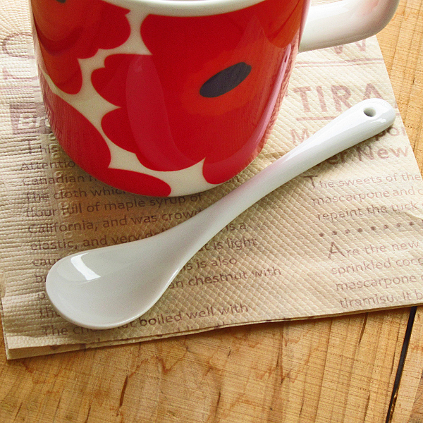 白い食器 オフホワイトのまぜまぜスプーン ポイント消化にもぴったり コーヒー 当店一番人気 ティーまぜまぜスプーン 日本製 国産 大人気 カトラリー デザートスプーン 美濃焼 陶器 アウトレット tablecoordinate