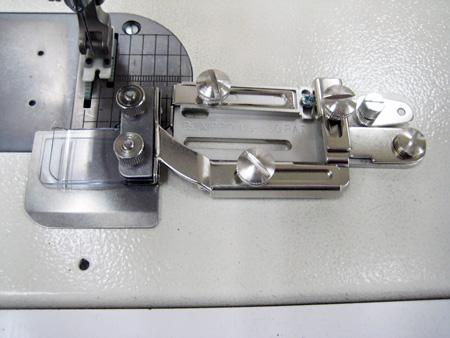 【送料無料】【工業用・職業用 】二枚合わせガイド 縫いずれ解消!