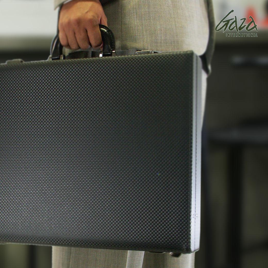 【全商品クーポン配布中】アタッシュケース B4 ビジネスバッグ メンズ GAZA ガザ ATTACHECASE アタッシュ 合成皮革 アタッシュケース 横型 日本製 バッグ メンズバッグ ブランド プレゼント 鞄 かばん カバン bag 青木鞄 送料無料 business bag men's
