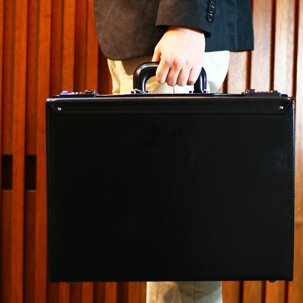 【全商品クーポン配布中】 アタッシュケース メンズ ビジネスバッグ アタッシュ 合成皮革 B4 横型 日本製 バッグ メンズバッグ ブランド プレゼント 鞄 かばん カバン bag 送料無料