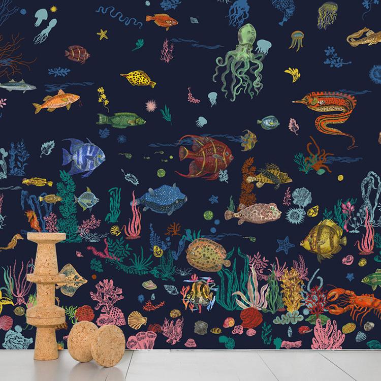 Domestic / ドメスティック Sous la Mer Navy Blue ナタリーレテ 輸入壁紙ナタリー・レテ 海 ネイビー NDL057 ナタリー レテ (巾372cm×高さ3m 8パネル 1セット販売で販売)[国内在庫]
