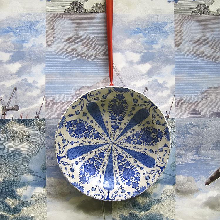 はってはがせる 輸入 壁紙イギリス製 デシモン・ウェイランド Dutch Sky Wallpaper Summer Blue1ロール(48.7cm×900cm)単位で販売フリース壁紙(不織布)