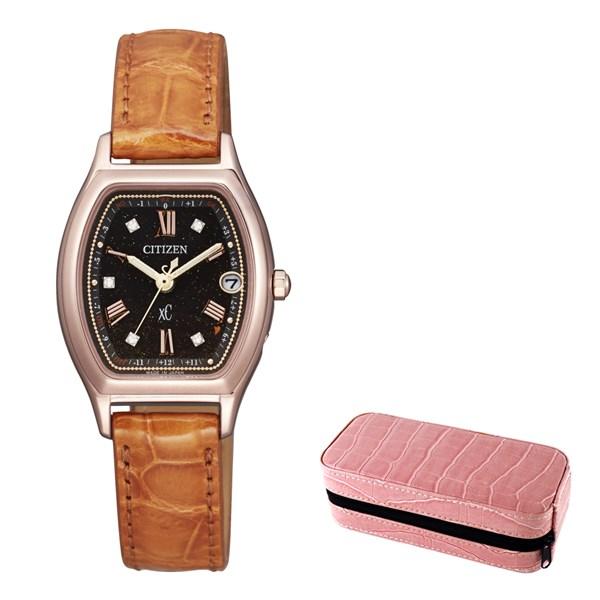 (時計ケースセット)(国内正規品)(シチズン)CITIZEN 腕時計 ES9352-13E (クロスシー)xC レディース ティタニアライン ハッピーフライト 100周年記念限定モデル(ワニ革バンド 電波ソーラー アナログ)(快適家電デジタルライフ)