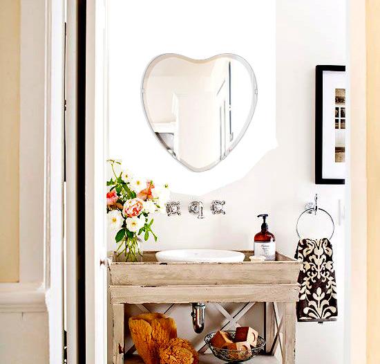 洗面鏡 浴室鏡 トイレ鏡 化粧鏡 日本製 高透過 超透明鏡 ハート形 鏡 450mm×470mm スーパークリアーミラー クリスタルカット 国産 フレームレスミラー 風呂 鏡 壁掛け鏡 壁掛けミラー ウオールミラー 姿見 姿見鏡 ミラー