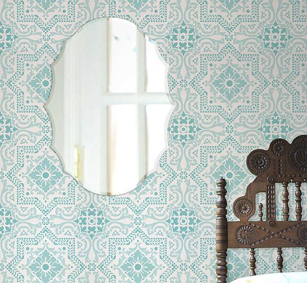 クリスタル ミラー 450x450mm クレスト クリスタルカット 鏡 壁掛け ミラー 壁掛け 日本製 5mm厚 玄関 リビング 寝室 トイレ 取付金具と説明書 壁掛け鏡 壁に直付け ウオールミラー 姿見 全身 おしゃれ 軽量 波頭形 鳥冠形