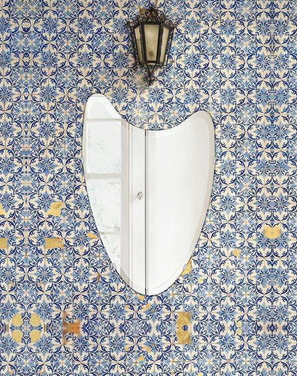 クリスタル ミラー 400x610mm ウエーブ デラックスカット 鏡 壁掛け ミラー 壁掛け 日本製 5mm厚 玄関 リビング 寝室 トイレ 取付金具と説明書 壁掛け鏡 壁に直付け ウオールミラー 姿見 全身 おしゃれ 軽量 波 波形