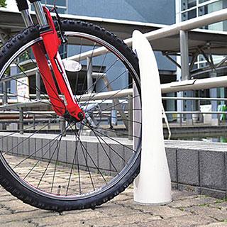 色は10色 美しいデザイン 抜群の強度と耐久性 自転車スタンド サイクルスタンド 自転車ラック サイクルラック 自転車 スタンド 駐輪場スタンド 床 床面 サイクルスタンド スチール 床付け 1台 用 日本製 自転車スタンド 屋外 自転車 スタンド 自転車 自転車ラック サイクルラック 駐輪場 スタンド 固定式 固定タイプ アイアン 金属 鉄 国産 コンクリート (白 白色 ホワイト)