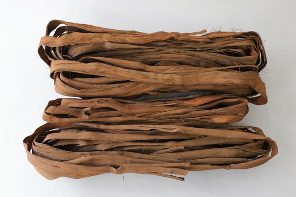 国産やまぶどう蔓 1kg岩手・青森県産(約)長さ70~140cm(約)幅1~4cm[材料 山葡萄]