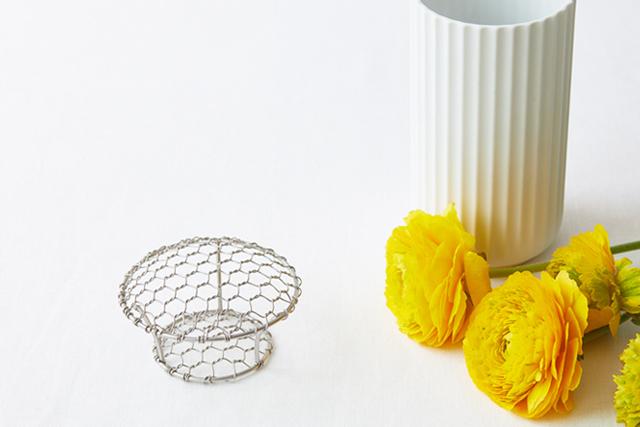 低廉 手編みステンレスフラワーボウル 約 最大径9.5cm 底径5cm 高さ6cm※花瓶は付きません 花留め 剣山 激安通販 フラワーアレンジメント テーブルコーディネート フラワーネット