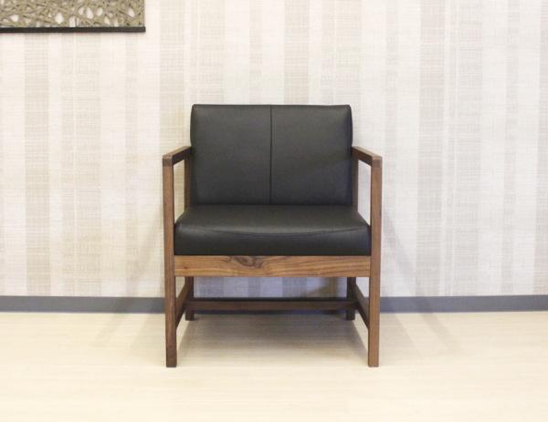 天然木ウォールナット&ナラ無垢材使用のLDチェアー岩倉榮利プロデュースの洗練されたモダンなデザインセラウッド塗装・木製フレーム・木枠CITYシリーズリビングソファー1Pイタリア製本革・皮張りリアルレザー