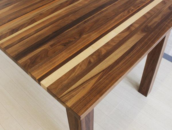 天然木ウォールナット・ブラックチェリー・ハードメープル無垢材をミックス貼り世界に一つだけのダイニングテーブル4本脚・日本製・国産・レグナテック120・130・140・150cm