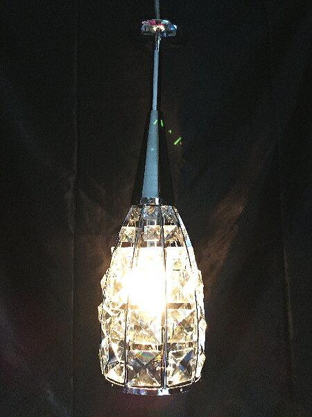 クリスタルガラスのペンダントランプ 1灯