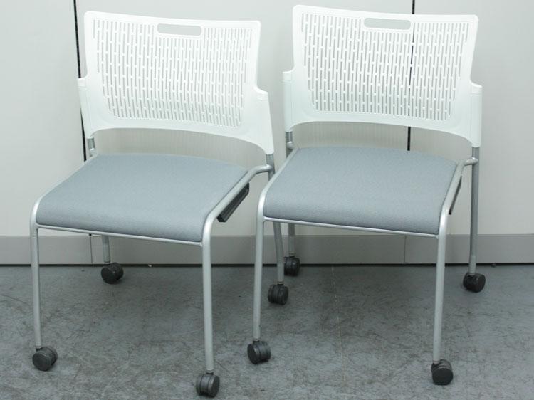 スタッキングチェア 2脚セット ミーティングチェア 会議椅子 キャスター付き 中古チェア オカムラ製:RETE レーテシリーズ 81R2AY FFW9 中古 セット オフィス家具