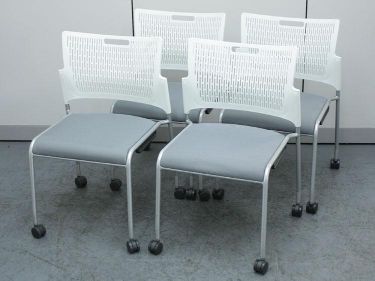 スタッキングチェア 4脚セット ミーティングチェア 会議椅子 キャスター付き 中古チェア オカムラ製:RETE レーテシリーズ 81R2AY FFW9 中古 セット オフィス家具