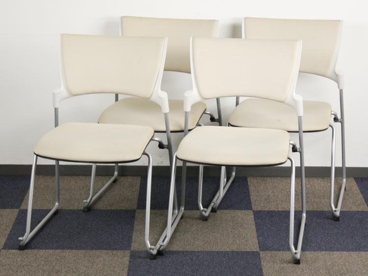 ミーティングチェア 4脚セット スタッキングチェア 会議イス パイプ椅子 中古チェア イトーキ製:マノス Manossシリーズ KLC-340GB-W8H8 中古 セット オフィス家具