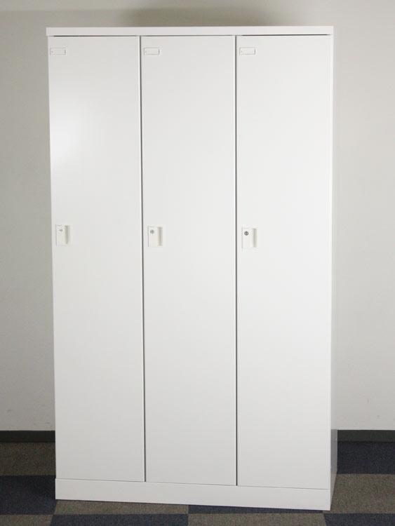 3人用ロッカー ワイドタイプ 扉W350 アウトレット 未使用品 スチールロッカー 多人数用ロッカー オフィス収納 コクヨ製:ZLKシリーズ W1050xD515xH1792 ZLK-LN335 SAW アウトレット オフィス家具 未使用品 鍵付
