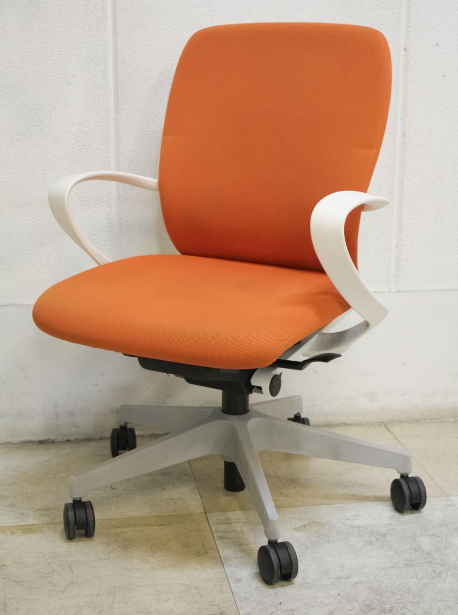 座る人を選ばない 個性派シンプルスタイル オフィスチェア 事務椅子 ローバック 布地 ループ肘 デスクチェア ビジネスチェア 中古チェア 新登場 在宅ワーク 新品未使用正規品 中古 リモートワーク オフィス家具 KF-446GB-W9D3 セット イトーキ製:フルゴ fulgoシリーズ