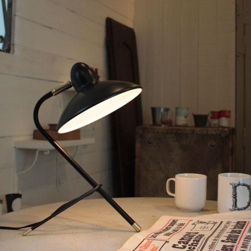 【エントリーでP5】Arles desk lamp 白い・褐色【TC】【DIC】【取寄せ品】 新生活
