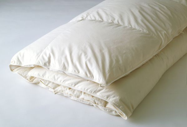 【お見積もり商品に付き、価格はお問い合わせ下さい】日本ベッド 羽毛掛ふとんロイヤルフォーター93 ホワイトCQ クイーンサイズ K キングサイズ 綿 サテン 抗菌 防臭加工