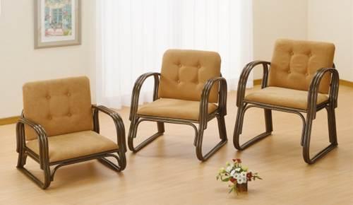 手すり、背もたれが付いて膝にやさしい快適座椅子 ワイド便利座椅子ミドルタイプ イス・チェア 籐製 送料無料