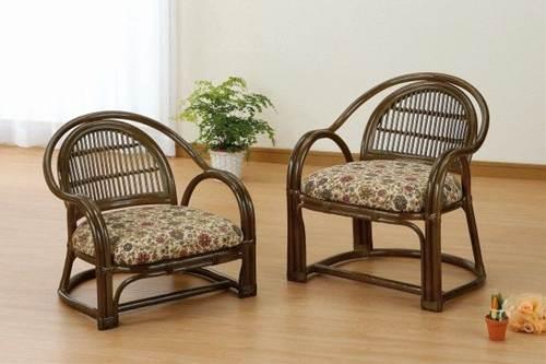 2本ポールの曲線フレームは丈夫な造りでシルエットも美しくお部屋にやさしさを演出。 アームチェアーロータイプ イス・チェア 座椅子 籐製