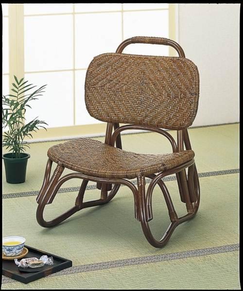 座面・背もたれ部ともに熟練した職人による手造り総アジロ編みで天然素材独特の感触を味わえる座椅子です。 籐アジロ編み楽々座椅子 イス・チェア 籐製 送料無料