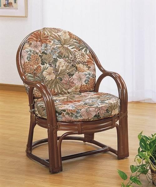 優雅な曲線がクラシックな雰囲気を演出。 アームチェアー イス・チェア 座椅子 籐製 送料無料