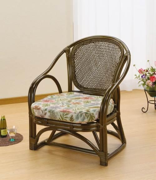 多色使いの立体的な柄が、美しく華やかな印象。 アームチェアー イス・チェア 座椅子 籐製 送料無料